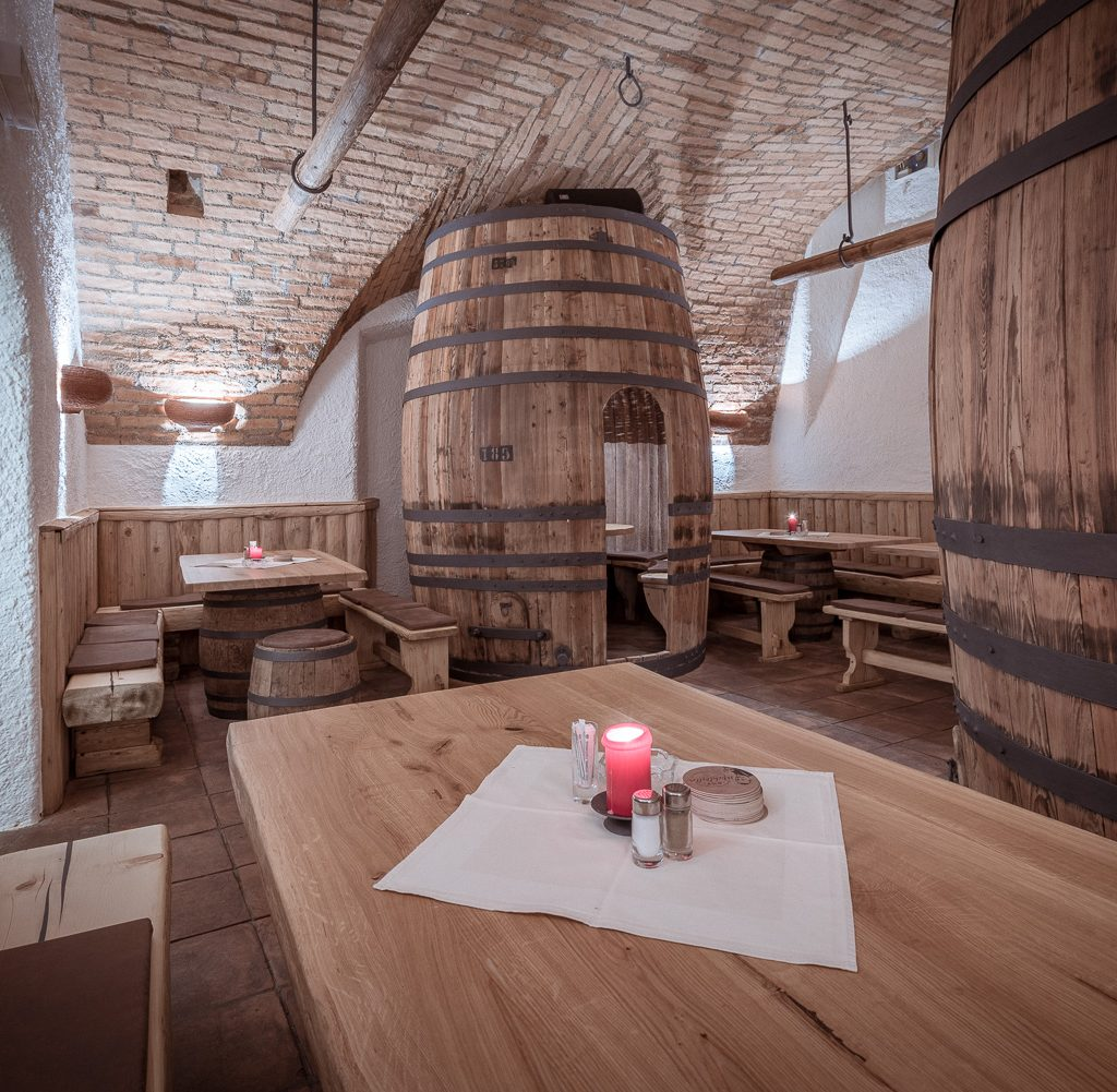 Michlkeller wine vault