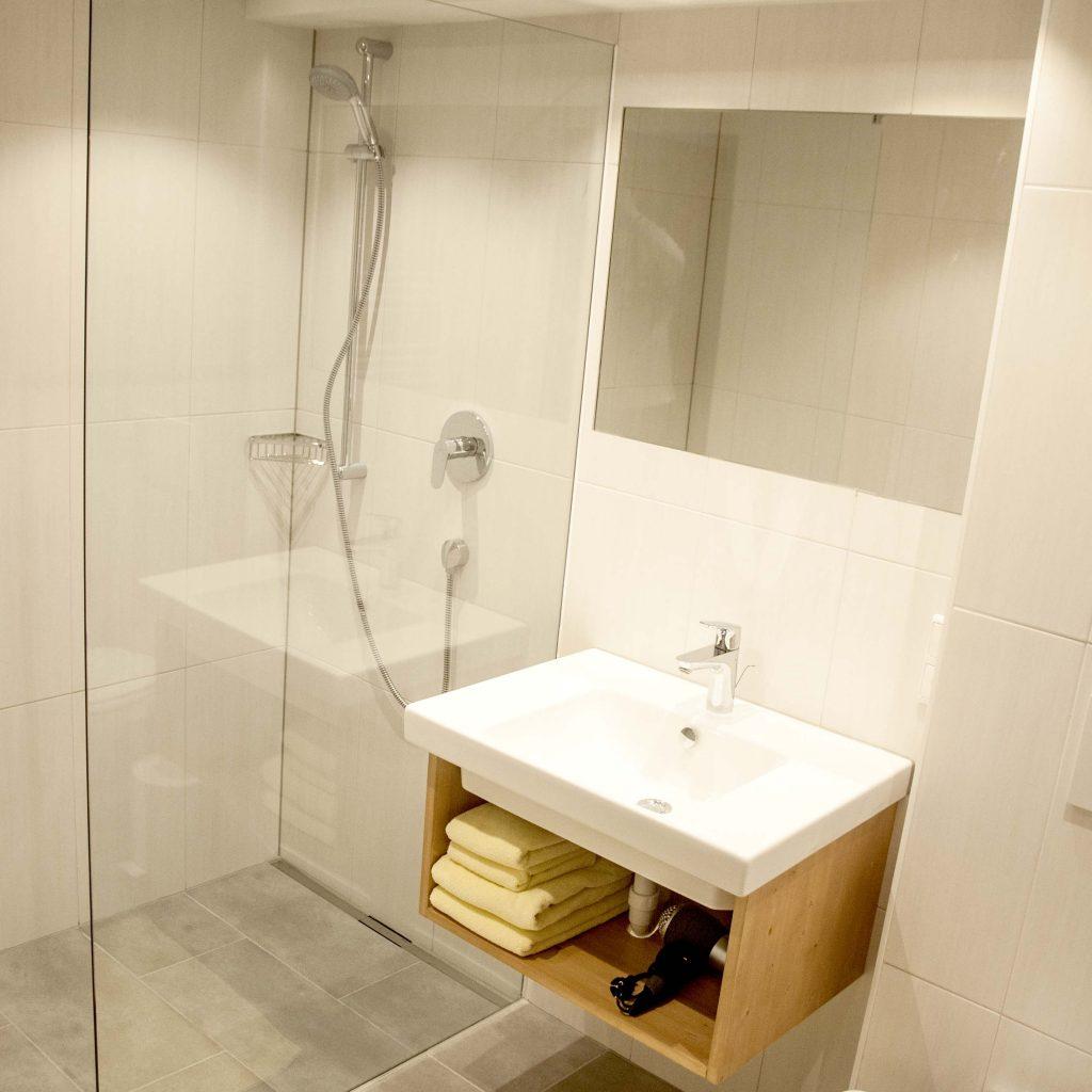 schrambacher hotel bath